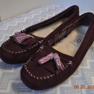 UGG ~ LIZZY ~ PORT-PURPLE SUEDE MOCCASIN LOAFER